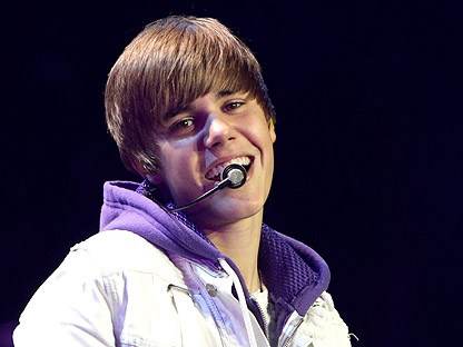 Canadian singer Justin Bieber performs in Vancouver, B.C., on Tuesday October 19, 2010. (THE CANADIAN PRESS/Darryl Dyck)