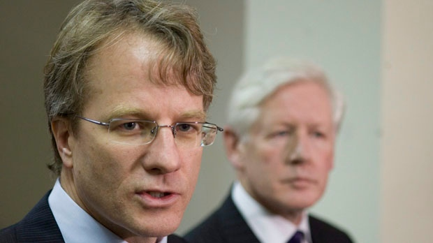 Then-Liberal MP Gerard Kennedy, left, stands with MP Bob Rae in Toronto on Monday, Dec. 8, 2008. (The Canadian Press/Chris Young)