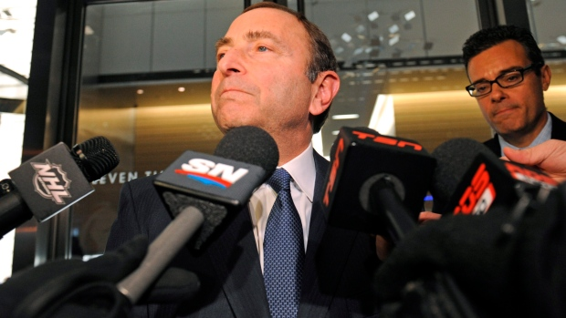 Bettman urges break in NHL labour talks
