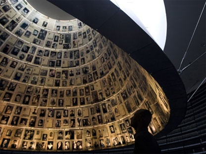 An Israeli visits the Hall of Names at the Yad Vashem Holocaust museum in Jerusalem, Sunday, April 11, 2010. (AP Photo/Sebastian Scheiner)