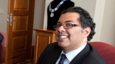 Nenshi issues Grey Cup Twitter challenge Rob Ford