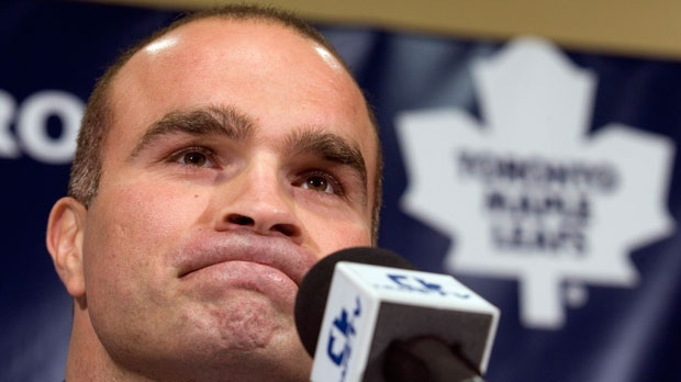 Tie Domi announces his retirement from professional hockey during a news conference in Toronto on Tuesday, Sept. 19, 2006. (The Canadian Press/Adrian Wyld)