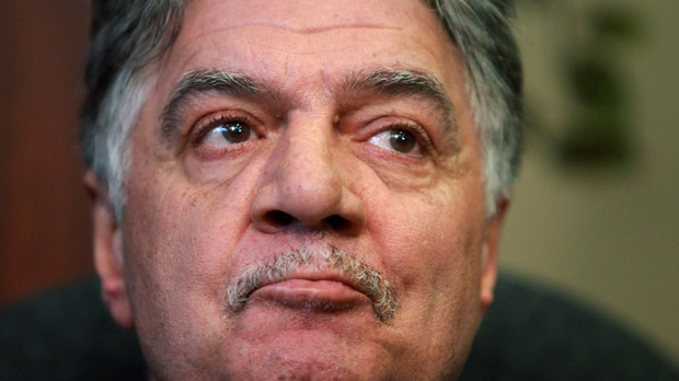 London, Ont., Mayor Joe Fontana makes a statement during a news conference Thursday, Nov. 22, 2012, about charges he is facing after an RCMP investigation. (The Canadian Press/Dave Chidley)