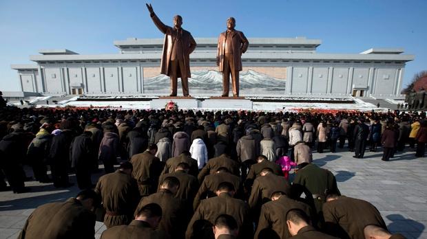 Kim Jong Il body unveiled anniversary of death