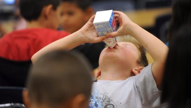 milk study young kids