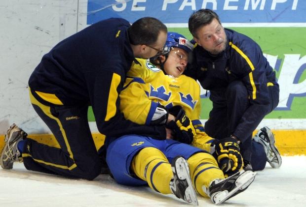 Canada beats Sweden in World Junior shootout
