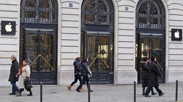 Paris Apple Theft Paris Flagship Apple Store