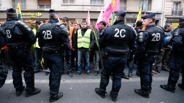 Kurdish women shot executed Paris France