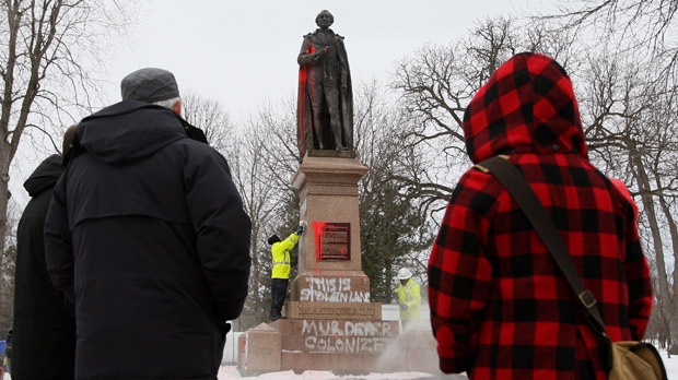 Sir John A. MacDonald statue vandalized Kingston