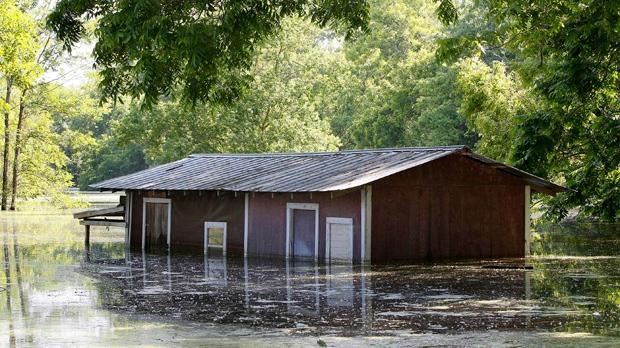 Inspectors find dangerous deficiencies U.S. levees