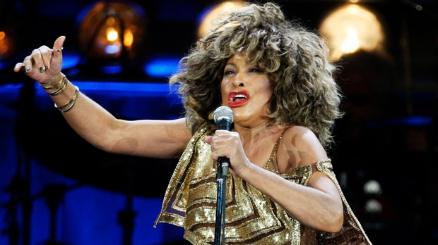 Tina Turner to become Swiss citizen