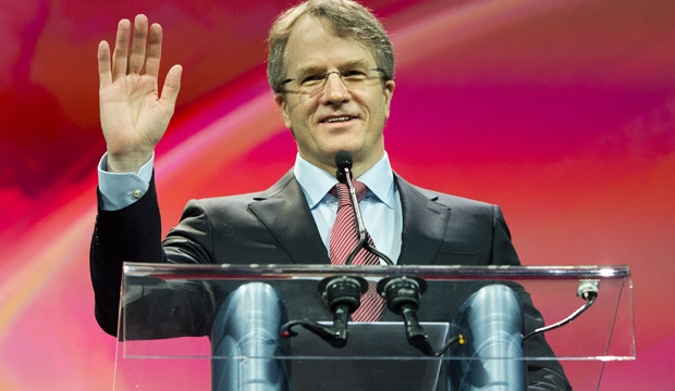 Gerard Kennedy waves on stage at the Ontario Liberal Leadership convention in Toronto on Saturday, January 26, 2013. THE CANADIAN PRESS/Nathan Denette