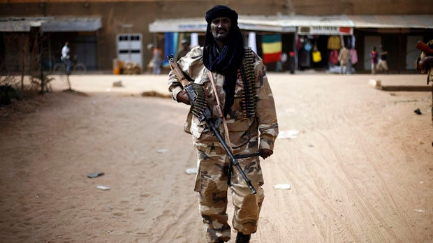 Mali France troops seize control airport Kidal