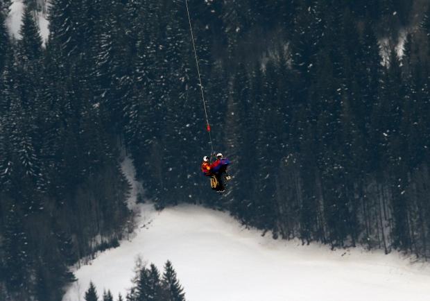 Lindsey Vonn skiier airlifted