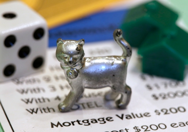 Monopoly fans vote replace iron with cat