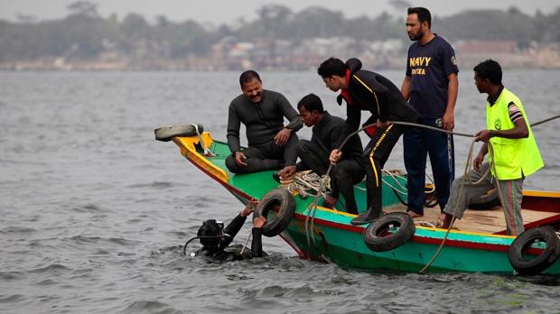 ferry, capsized, bangladesh