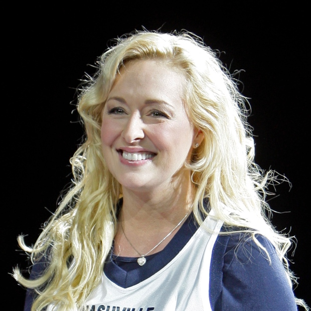 Country singer Mindy McCready dies at 37