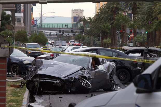 Las Vegas gun battle crash strip