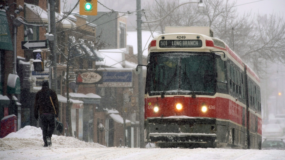 Just the news you wanted to hear: Environment Canada says more snow is likely to hit southern Ontario (Frank Gunn / THE CANADIAN PRESS)