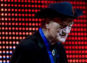Canadian music legend Stompin' Tom Connors receives the Lifetime Achievement Award at the 20th Annual SOCAN Awards gala in Toronto on Monday, Nov. 23, 2009. (The Canadian Press/Darren Calabrese)
