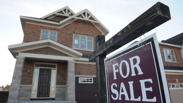 Warren Buffet's company buys into troubled Home Capital ...