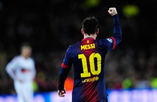 Chelsea Vs Manchester United Vs Fc Barcelona: Messi Scores 2 To Lead Barcelona Past AC Milan