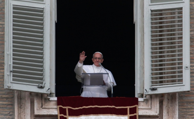 Pope Francis window appearance Vatican