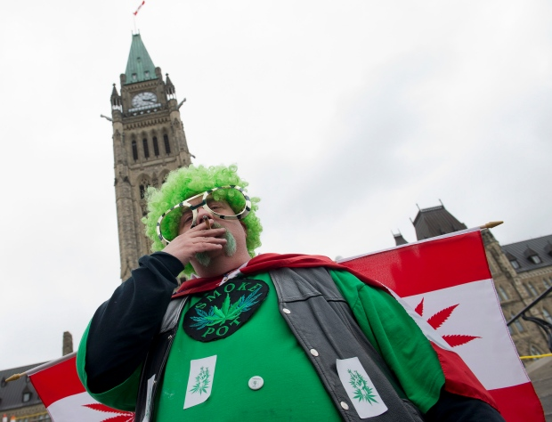 Canadians push for marijuana legalization