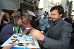 "Jason Bateman greets fans at the season four premiere of ""Arrested Development"" at the TCL Chinese Theatre in Los Angeles on Monday, April 29, 2013. (Photo by John Shearer/Invision/AP)"