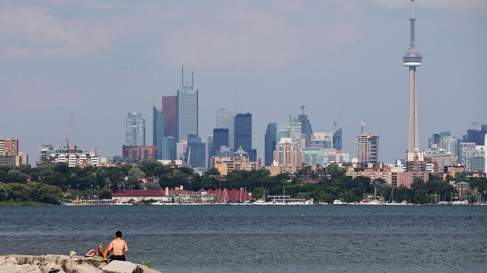 Toronto skyline. (The Canadian Press/Michelle Siu)