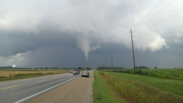 Environment Canada issues tornado warning for southwestern Ontario