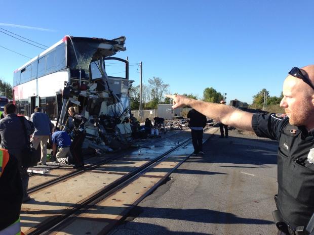 Via, train, bus, crash, Ottawa