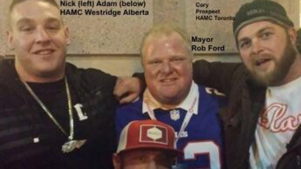 Ford Says He Wasn T Aware He Was Posing For Photo With