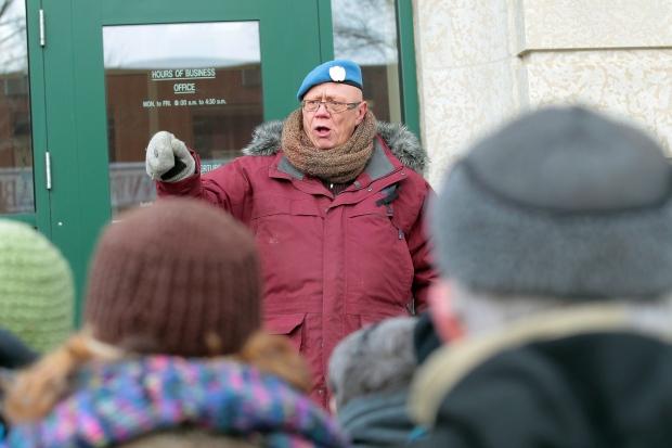 Veterans protest office closure
