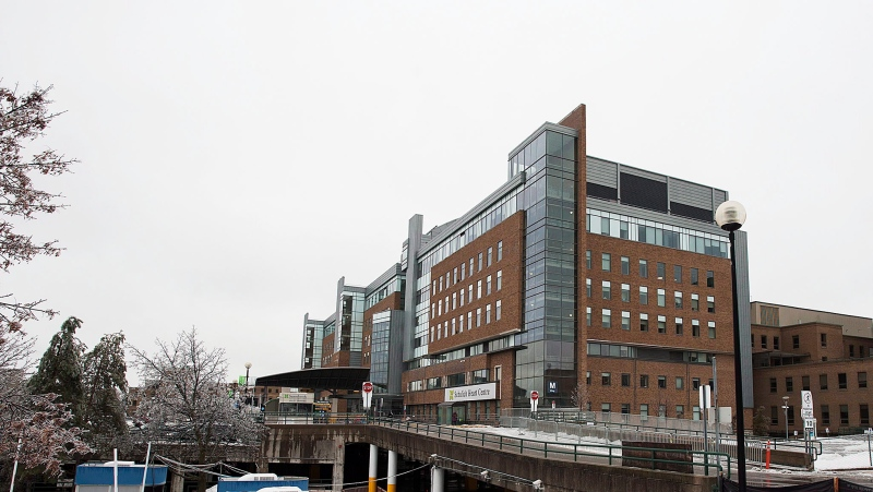 Sunnybrook Hospital is seen on Sunday, December 22, 2013. (Aaron Vincent Elkaim / THE CANADIAN PRESS)
