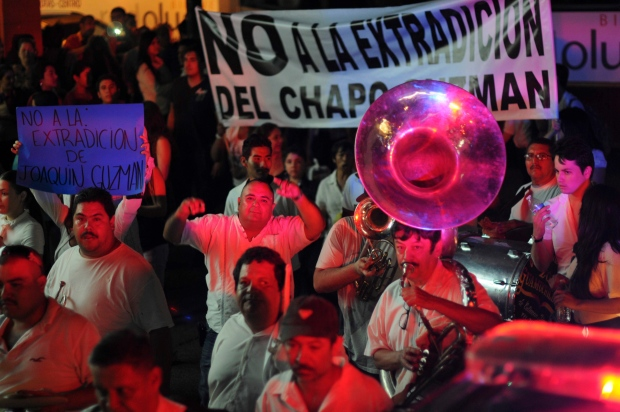 hundreds march in sinaloa calling for cartel boss to be