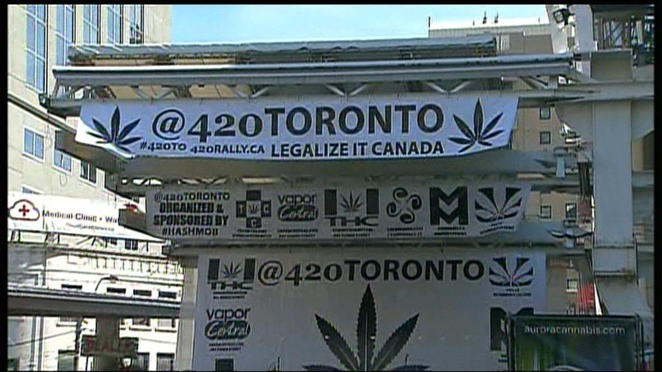 Marijuana advocates gather across Canada to celebrate 420