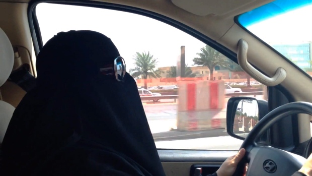 Saudi Arabia women driving