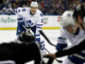 New Toronto Maple Leafs defenseman Eric Brewer (2) waits for a face-off during the first period of an NHL hockey game against the Tampa Bay Lightning Thursday, March 5, 2015, in Tampa, Fla. (AP Photo/Chris O'Meara)