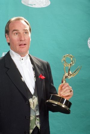 Actor Craig T. Nelson holds up his Emmy statuette at the 44th Annual Primetime Emmy Awards in Pasadena, Calif., in this Aug. 31, 1992 file photo. (AP /Douglas C. Pizac)