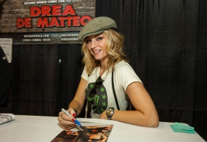 This March 5, 2015 file photo shows, actress Drea de Matteo during the Wizard World Comic Con Fan Fest Chicago at the Donald E. Stephens Convention Center in Rosemont, Ill. (Photo by Barry Brecheisen/Invision/AP)