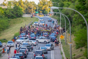 Protesters with the group Black Lives Matter-Toronto are seen blocking the Allen Expressway at Eglinton Avenue on Monday, July 27, 2015. (Eugene Eliseev)