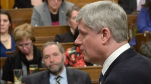New poll finds equal number of voters trust Harper, Mulcair on economy