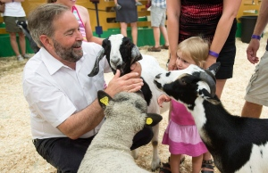 Mulcair on the campaign trail in Quebec as election speculation builds