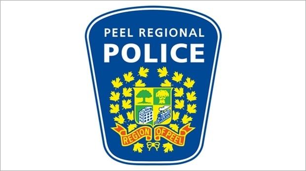 Police issue alert after Mississauga teen finds stranger exposing himself in her room