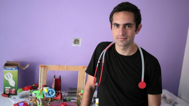 Dr. Tarek Loubani shows printed stethoscope