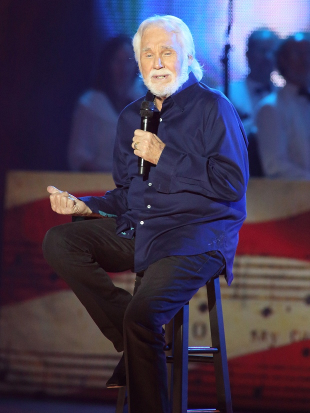 Kenny Rogers announces farewell tour, Christmas album | CP24.com
