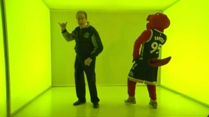Norm Kelly busts a move to Drake's 'Hotline Bling' at the Air Canada Centre Wednesday November 25, 2015.