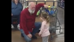 A little girl mistook a Walmart shopper for Santa in Hurricane, West Virginia. (Video courtesy Robert Riley/ Facebook)