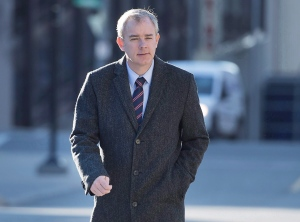Dennis Oland heads to the Law Courts as his murder trial continues in Saint John, N.B. on Tuesday, Nov. 10, 2015. THE CANADIAN PRESS/Andrew Vaughan